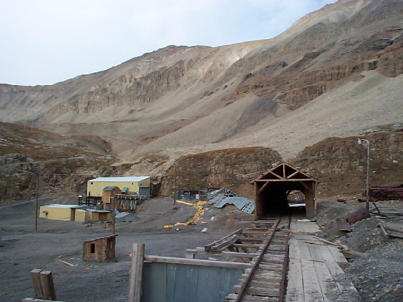 Another image of the mine.